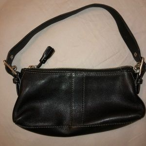 Beautiful Black Coach Original shoulder bag